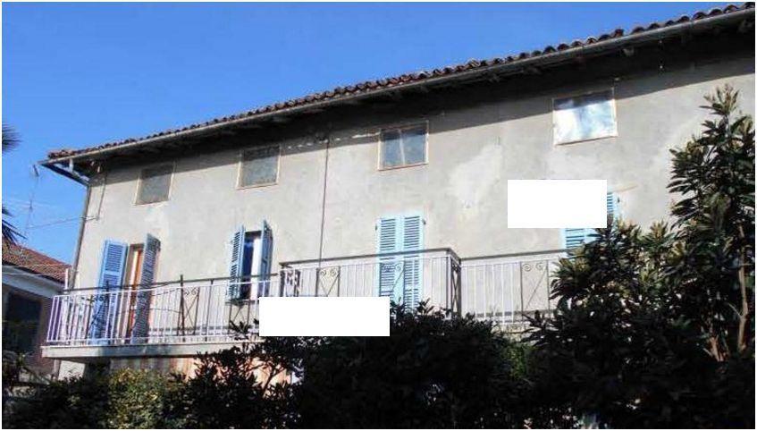 Foto 1 di Villa Via Stefano Gatti 24, Altavilla Monferrato