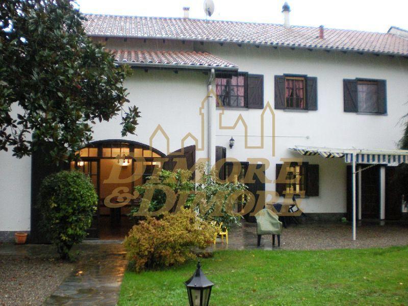 Villa in Vendita a Fontaneto d'Agogna