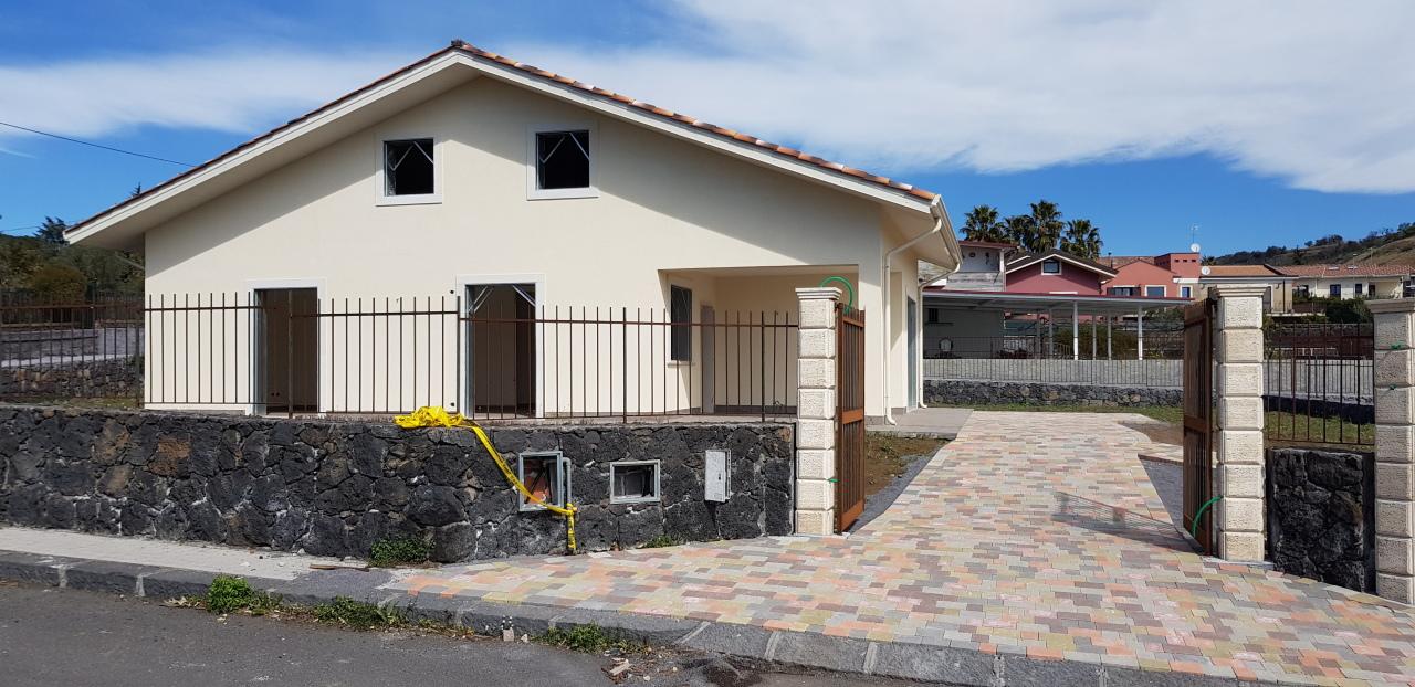 Villa in vendita a Pedara (CT)