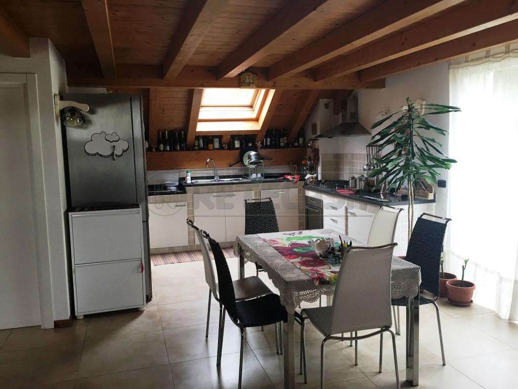 Attico / Mansarda in vendita a Belluno, 7 locali, prezzo € 250.000 | Cambio Casa.it