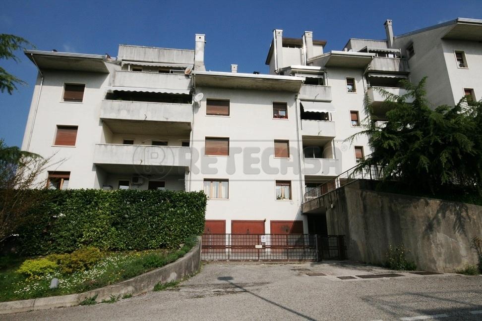 Appartamento in vendita a Chiampo, 4 locali, prezzo € 100.000 | Cambio Casa.it