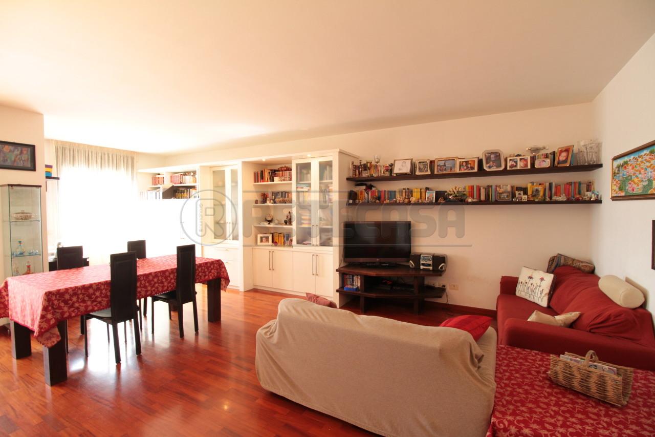 Appartamento in vendita a Lecce, 4 locali, prezzo € 250.000 | Cambio Casa.it