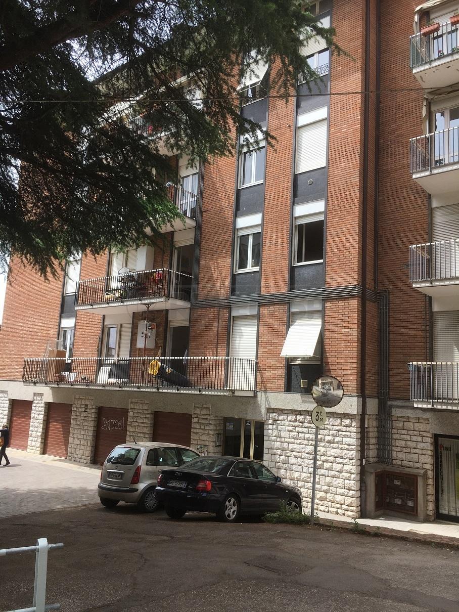 Appartamento in vendita a Perugia, 5 locali, prezzo € 189.000   Cambio Casa.it