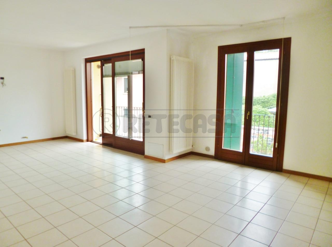 Appartamento in vendita a Montebello Vicentino, 9999 locali, prezzo € 135.000 | Cambio Casa.it