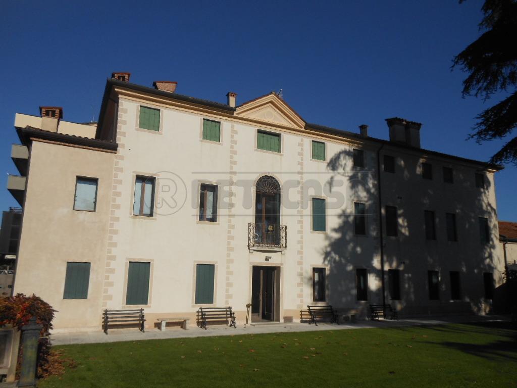 Attico / Mansarda in vendita a Bassano del Grappa, 8 locali, prezzo € 580.000 | Cambio Casa.it