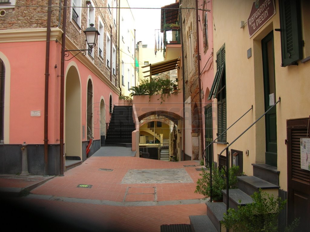 Appartamento in vendita a Loano, 3 locali, prezzo € 330.000 | Cambio Casa.it