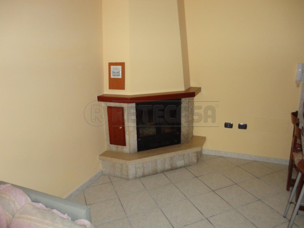 Villa in vendita a Catanzaro, 6 locali, prezzo € 280.000 | Cambio Casa.it