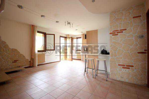 Appartamento in vendita a Longare, 4 locali, prezzo € 115.000 | Cambio Casa.it