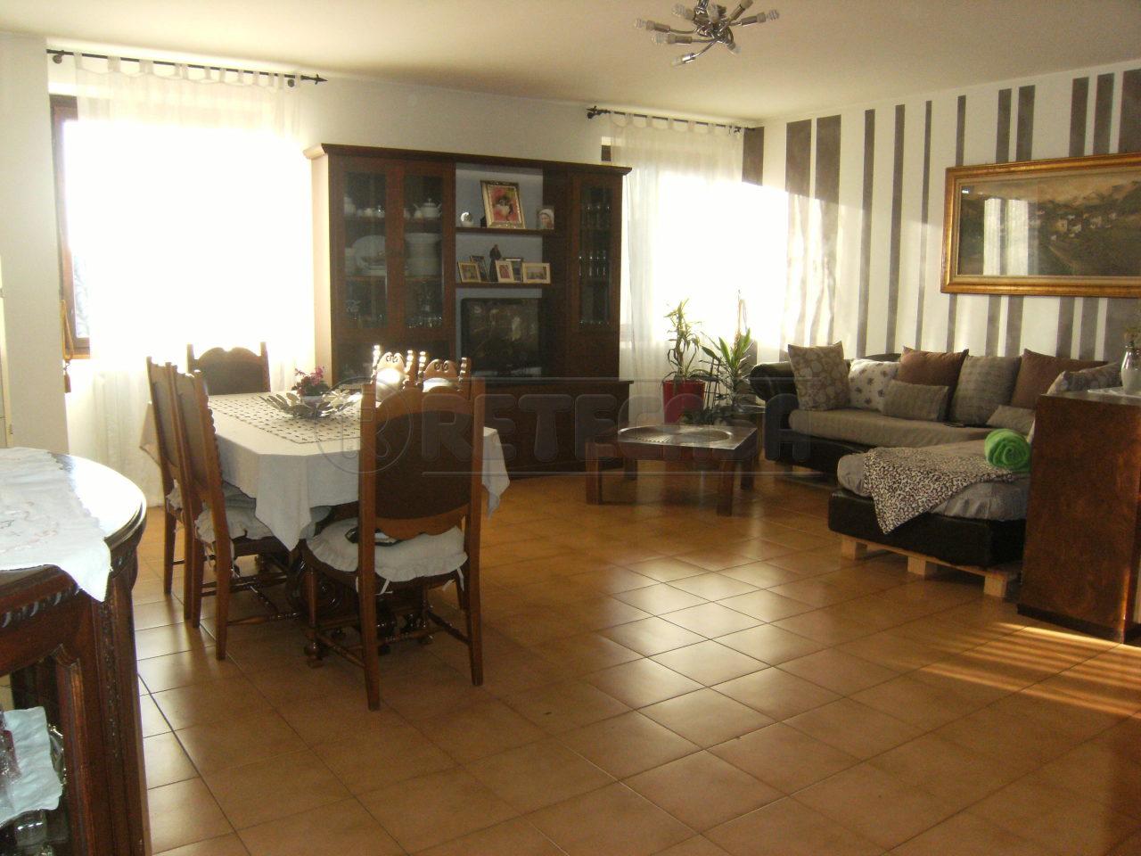 Appartamento in Vendita a Calcinate