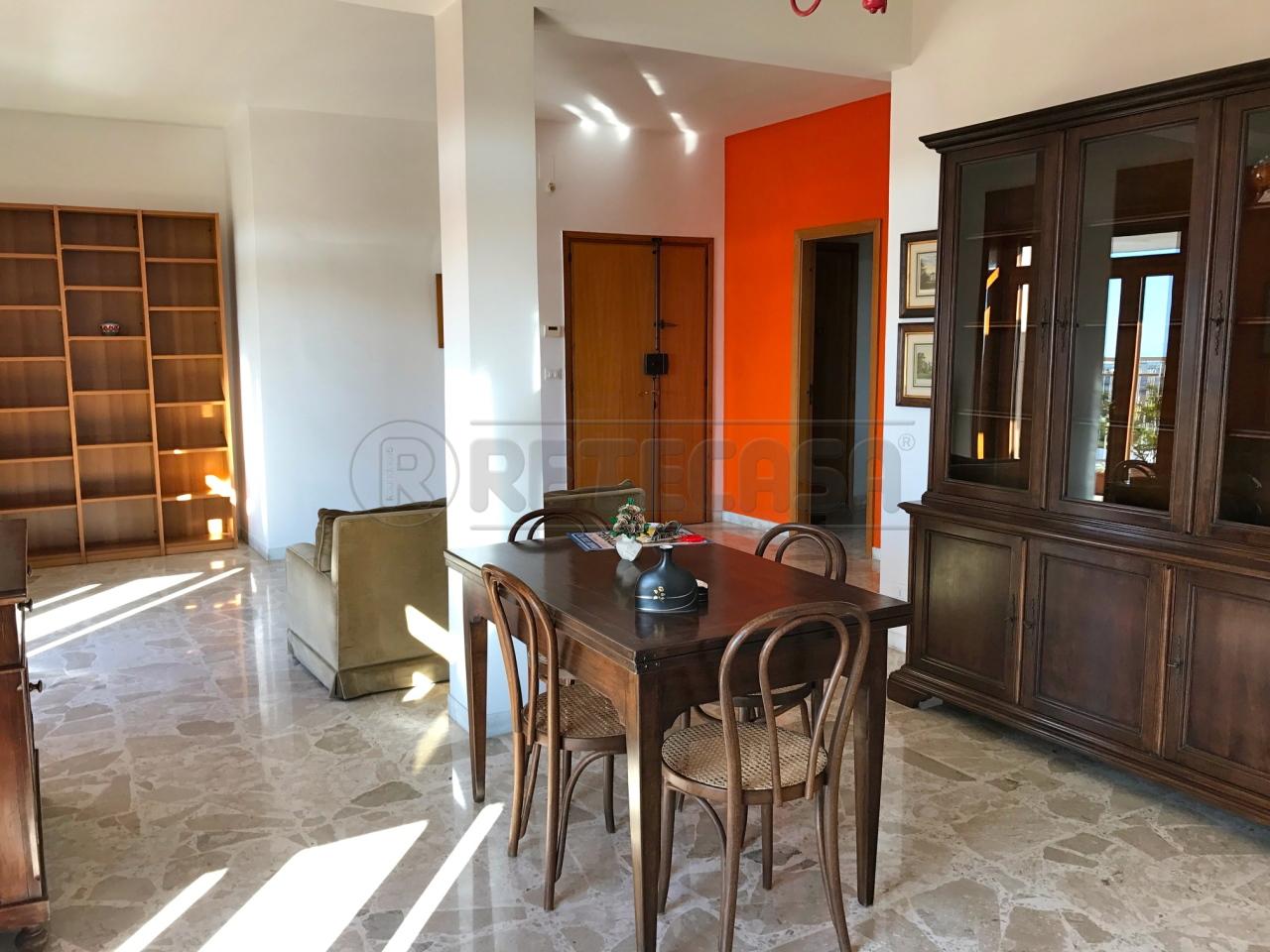 Appartamento in affitto a Lecce, 4 locali, prezzo € 500 | Cambio Casa.it