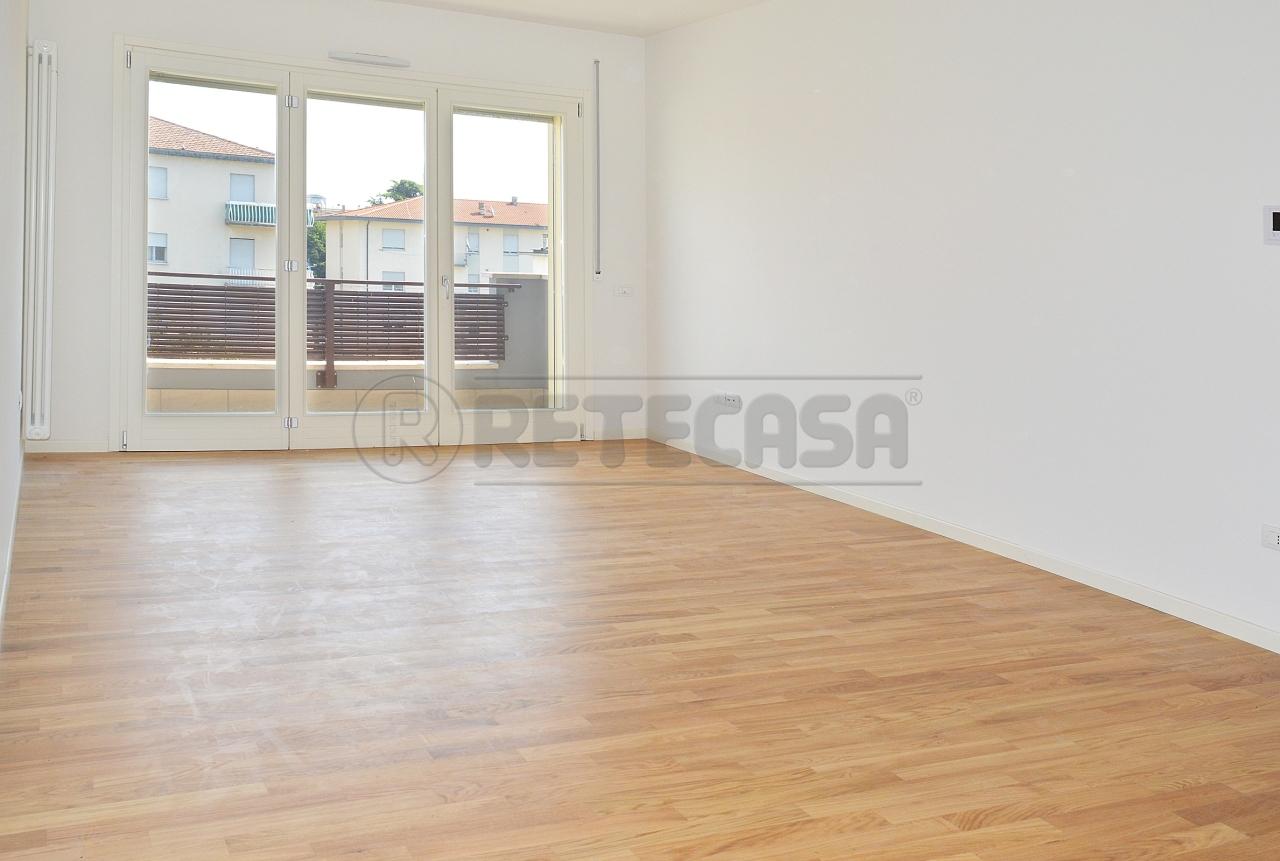 Appartamento in vendita a Vicenza, 6 locali, prezzo € 274.000 | Cambio Casa.it