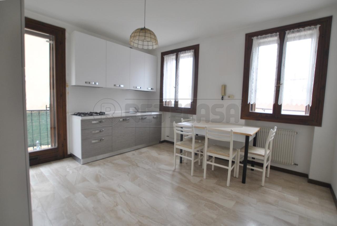 Appartamento in affitto a Cornedo Vicentino, 9999 locali, prezzo € 380 | Cambio Casa.it