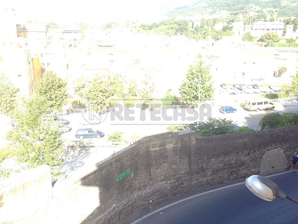 Bilocale Salerno Via Dei Casali 27 2