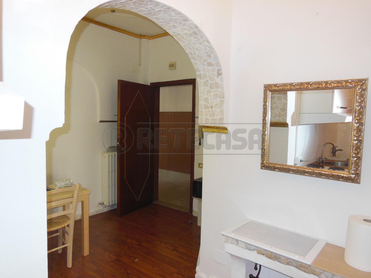 Bilocale Ancona Via Antinori 1