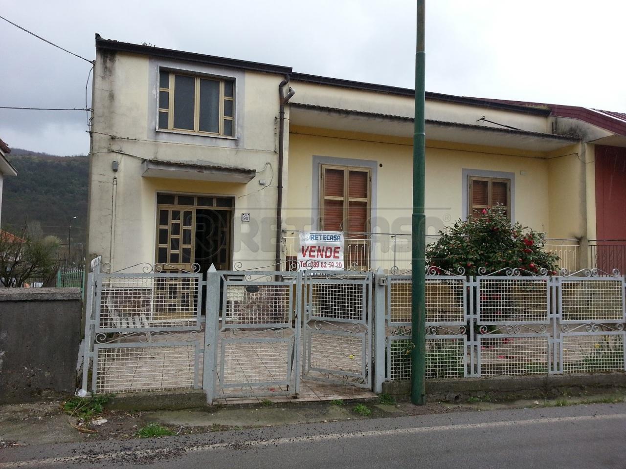 Villa in Vendita a Mercato San Severino