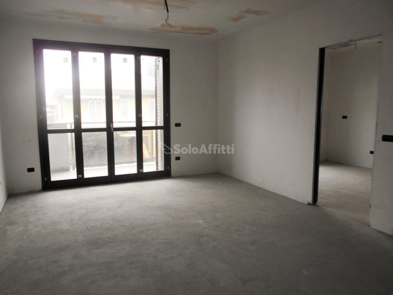 appartamento trilocale in affitto a muggi piano terra