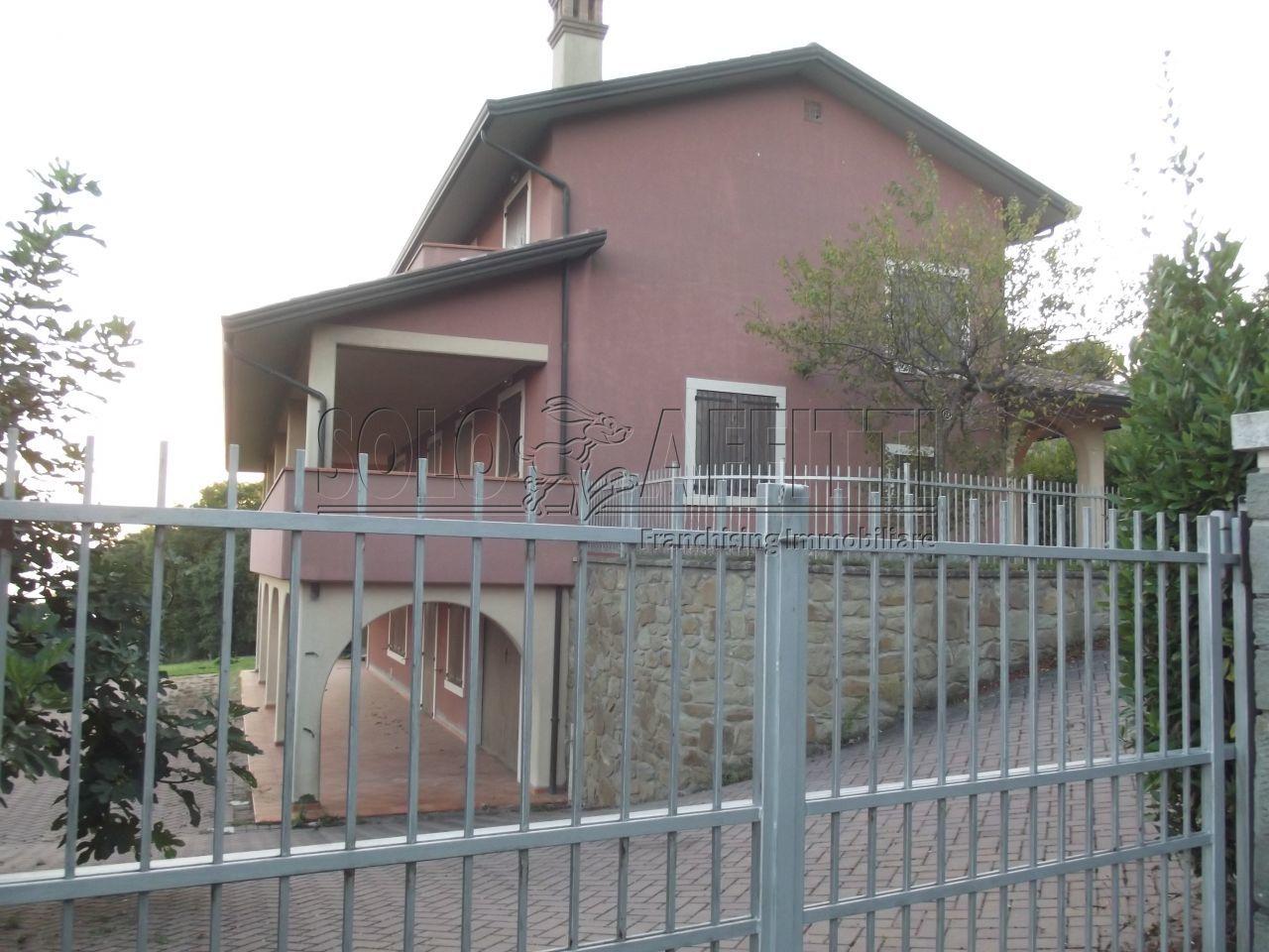 Villa Singola Arredato 16 vani