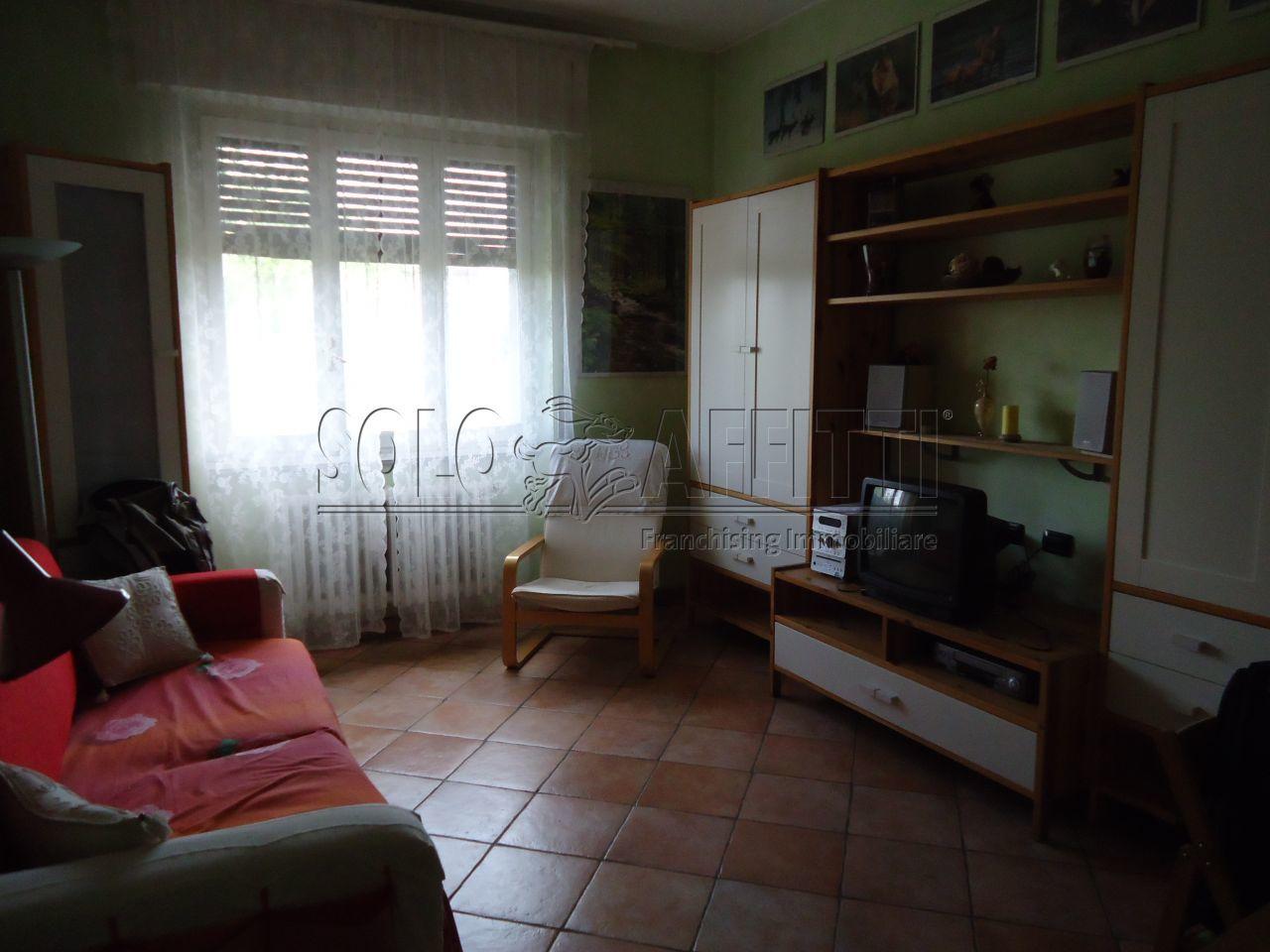 Bilocale Rozzano Via Bergamo 4 4