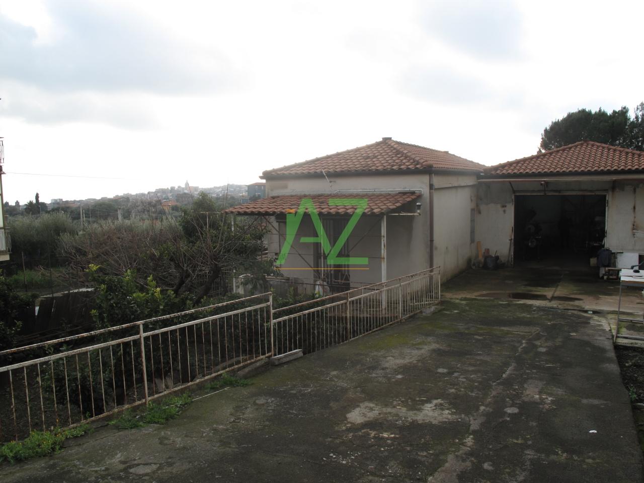 Soluzione Indipendente in vendita a Misterbianco, 2 locali, prezzo € 150.000 | Cambio Casa.it