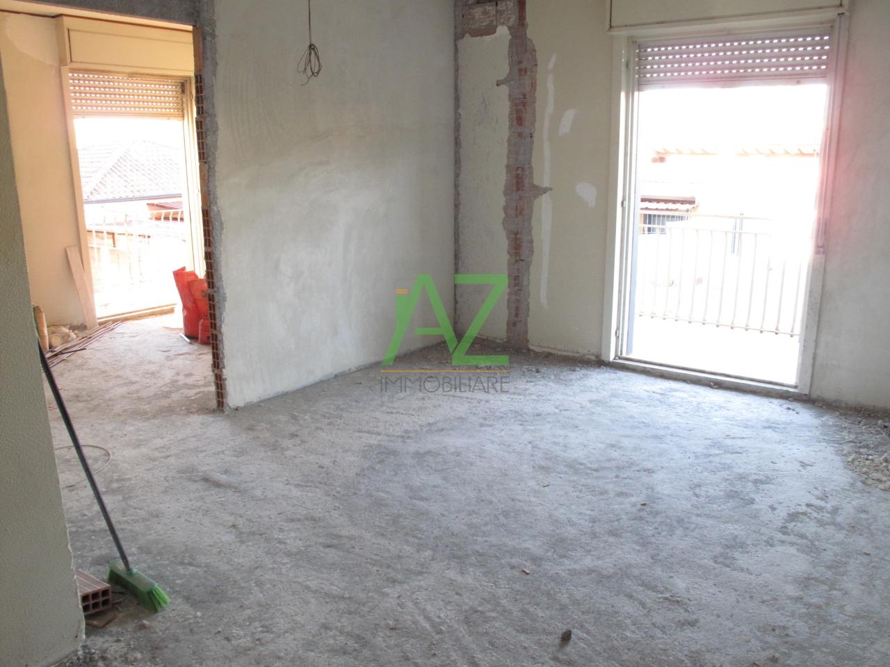 Appartamento in vendita a Misterbianco, 3 locali, prezzo € 75.000 | Cambio Casa.it