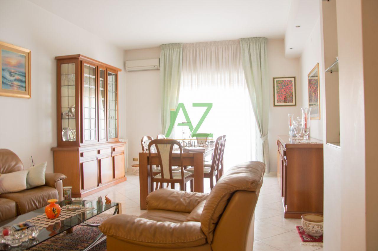 Appartamento in vendita a Aci Catena, 4 locali, prezzo € 167.000 | Cambio Casa.it