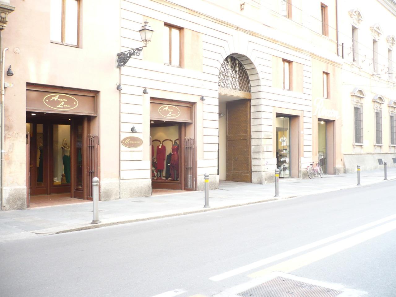 Negozio / Locale in affitto a Parma, 1 locali, prezzo € 1.600 | Cambio Casa.it