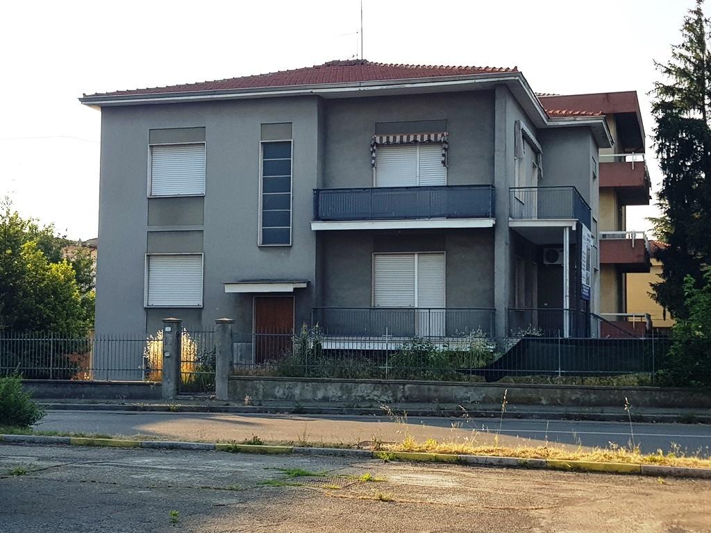 parma vendita quart:  immobilgest-snc-di-feher-istvan-e-molino-filippo