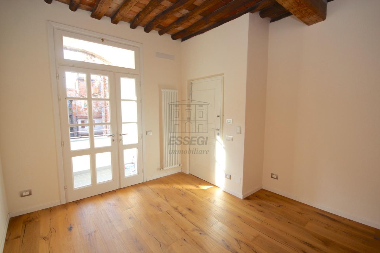 Appartamento Lucca Centro storico IA01386A img 3