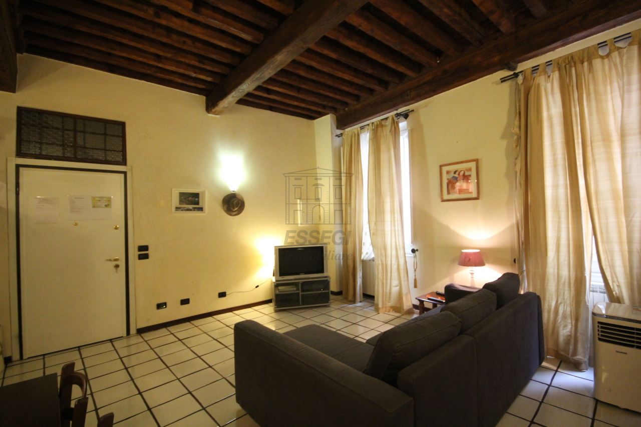 Appartamento Lucca Centro storico IA02948 img 3