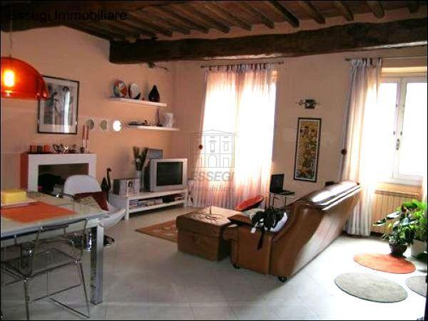 vendita appartamento lucca   295000 euro  45 locali  100 mq