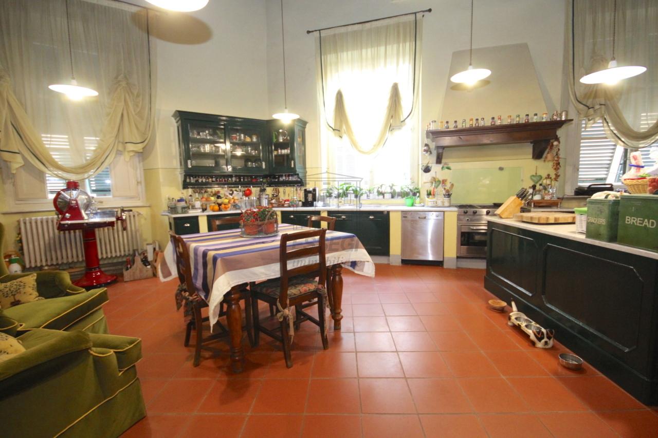 Appartamento Lucca Centro storico IA03053 img 8