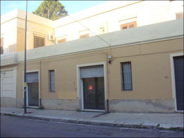 Magazzino in affitto a Reggio Calabria, 1 locali, prezzo € 400   Cambio Casa.it