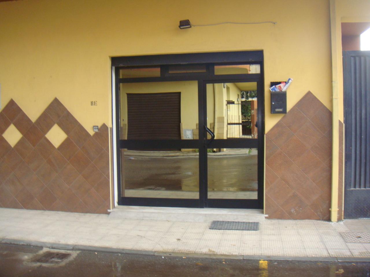 Magazzino in affitto a Reggio Calabria, 2 locali, prezzo € 300   Cambio Casa.it