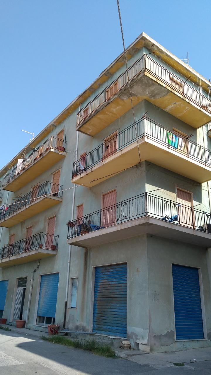 Magazzino in vendita a Palizzi, 2 locali, prezzo € 50.000 | CambioCasa.it