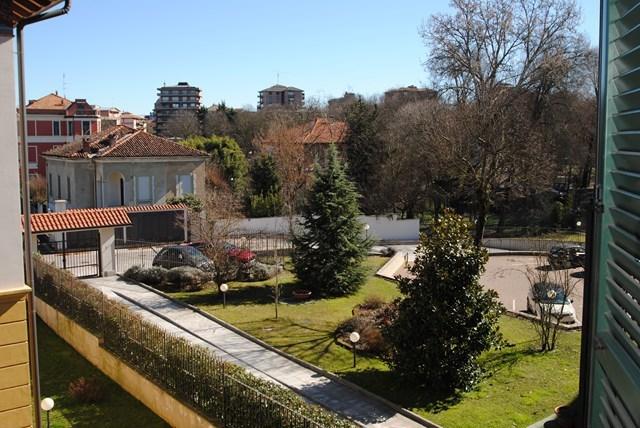 Appartamento in vendita a Pavia, 5 locali, prezzo € 400.000   Cambio Casa.it