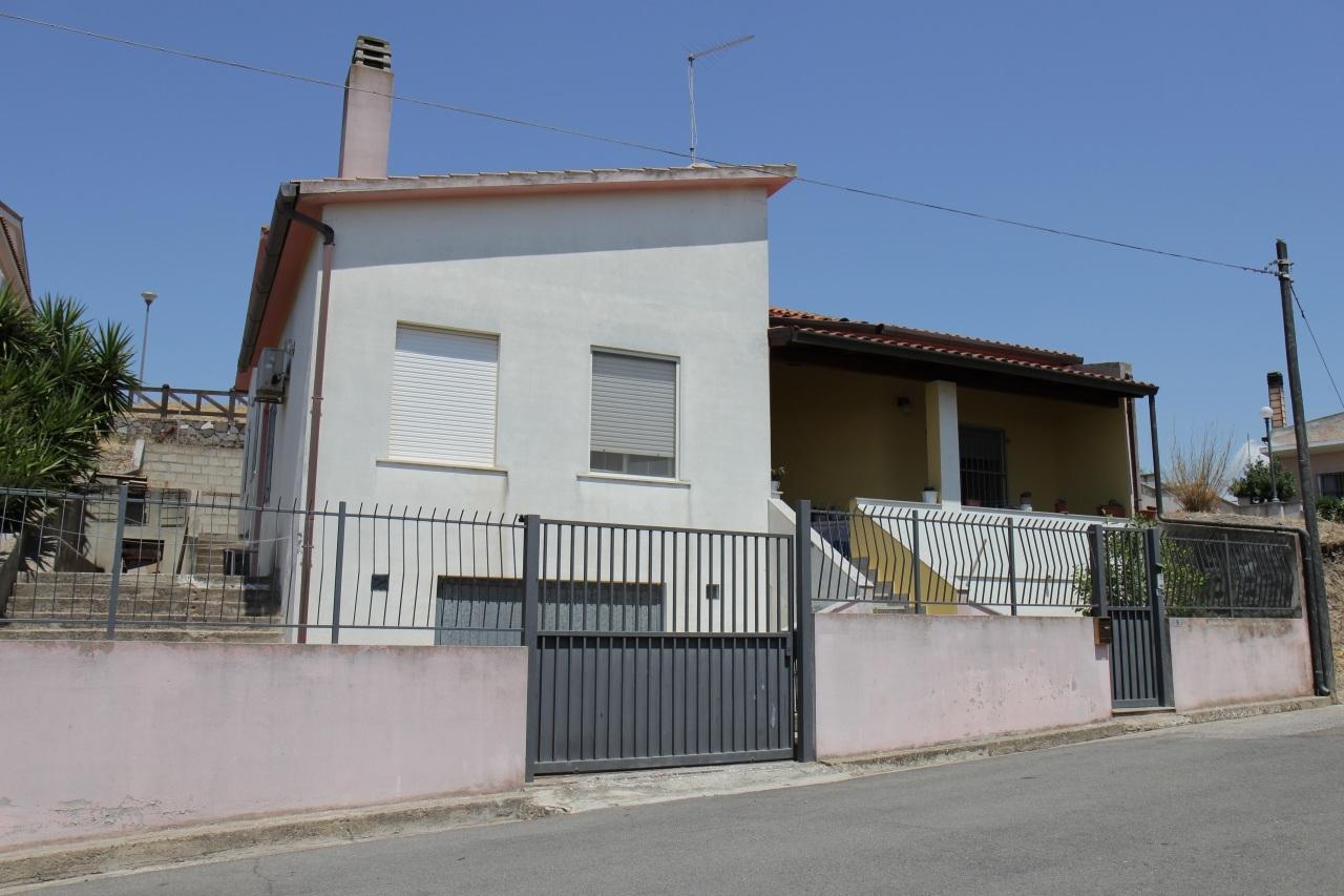 Soluzione Indipendente in vendita a Monastir, 4 locali, prezzo € 152.000 | Cambio Casa.it