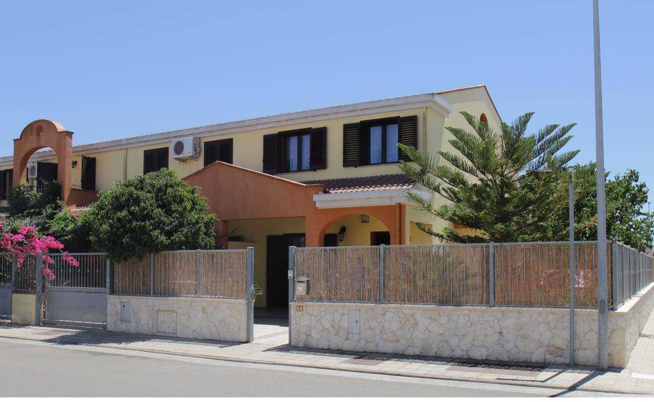 Villa a Schiera in Vendita a Uta