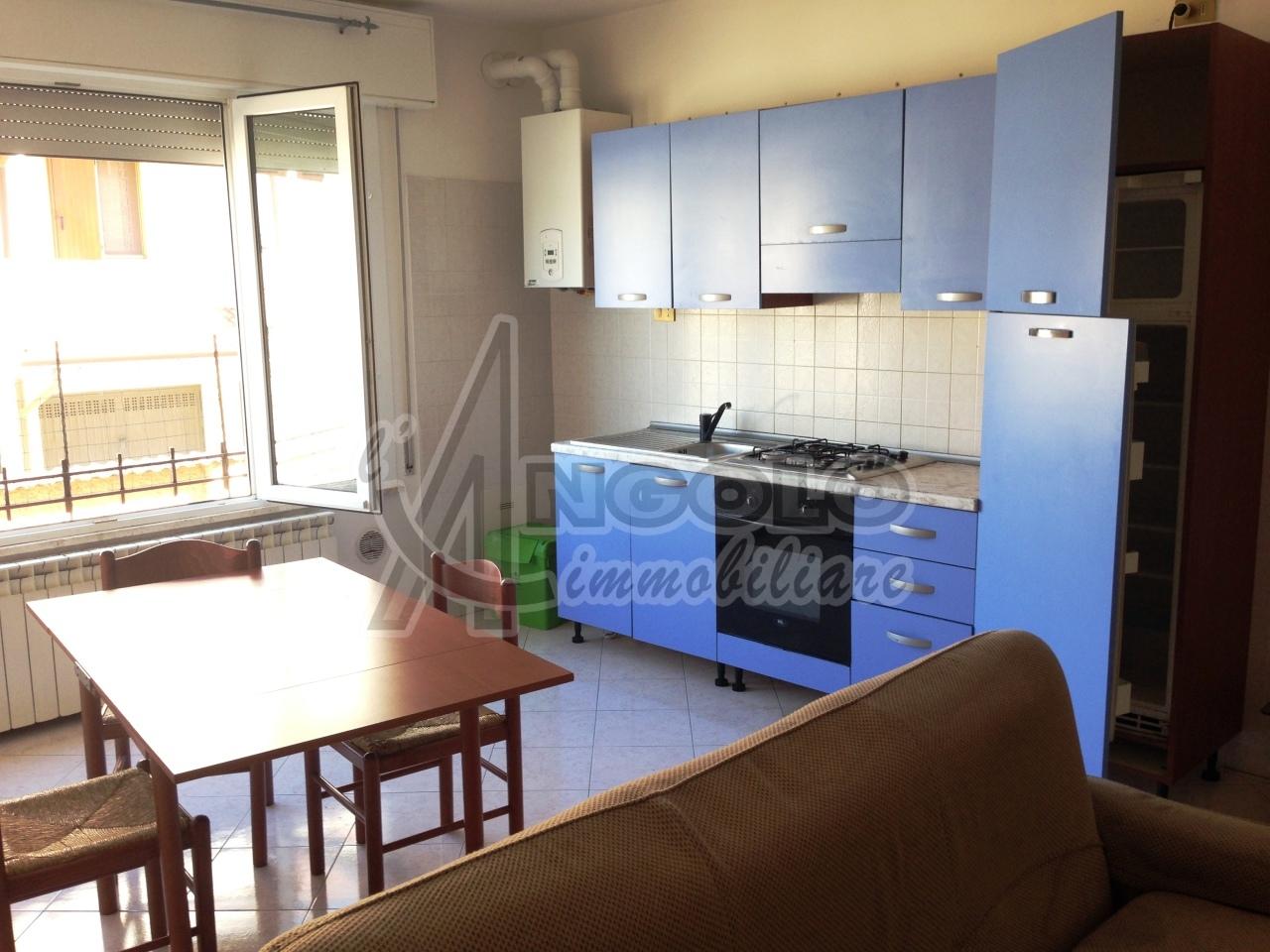 Appartamento in affitto a Occhiobello, 4 locali, prezzo € 430   Cambio Casa.it
