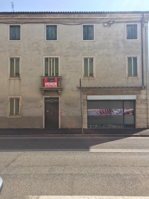 Soluzione Indipendente in vendita a Lonigo, 8 locali, Trattative riservate | CambioCasa.it