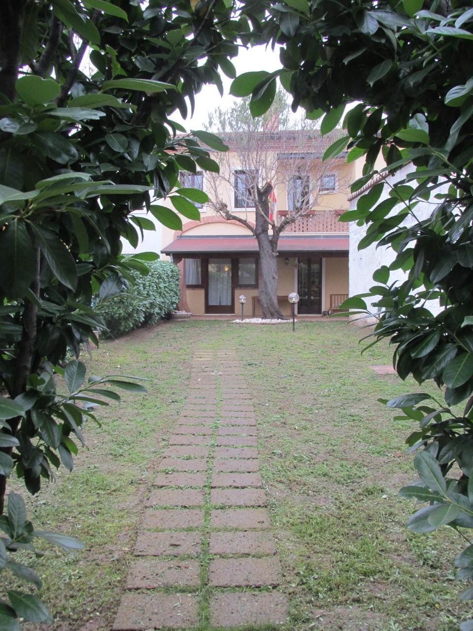 Soluzione Indipendente in vendita a Lonigo, 5 locali, prezzo € 185.000 | Cambio Casa.it