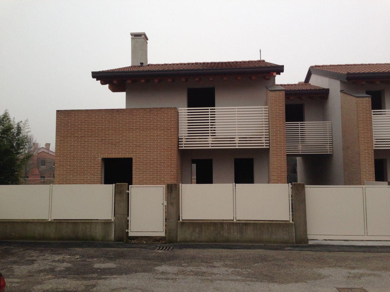 Soluzione Indipendente in vendita a Castelfranco Veneto, 4 locali, prezzo € 290.000 | Cambio Casa.it