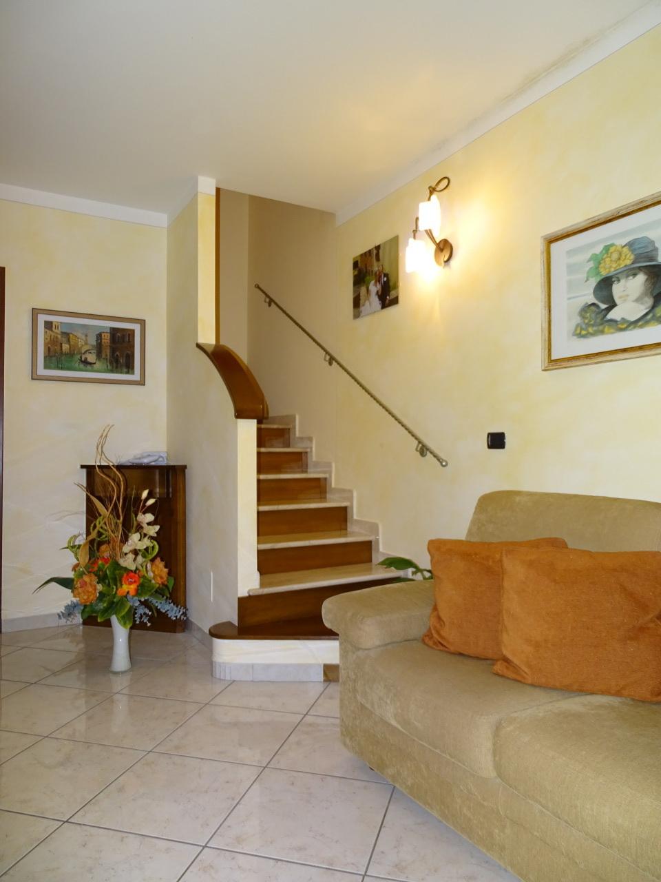Soluzione Indipendente in vendita a Ponsacco, 6 locali, prezzo € 285.000 | Cambio Casa.it