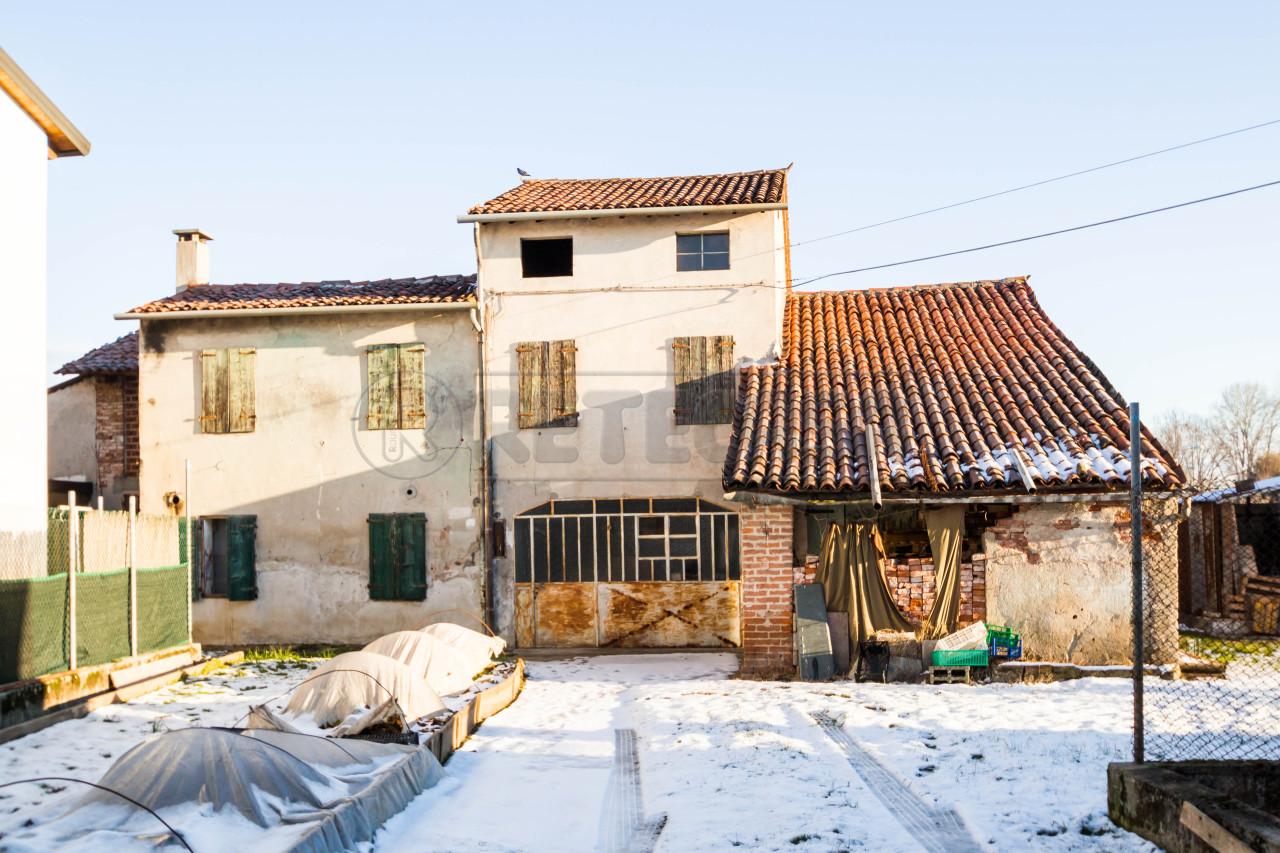 Rustico / Casale in Vendita a Bressanvido