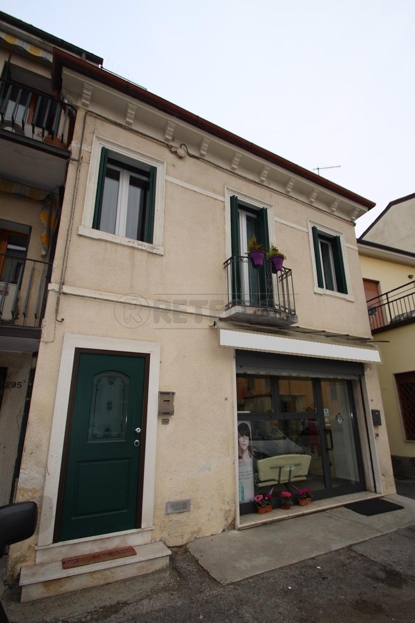 Bilocale Vicenza Viale Della Pace 200 3
