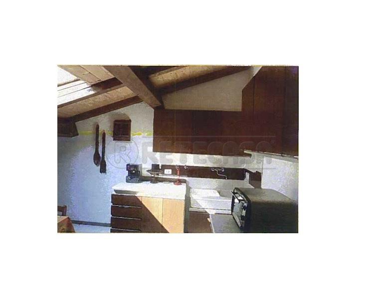 cerco casa vicenza (vi). mansarda - sottotetto - soffitta - solaio