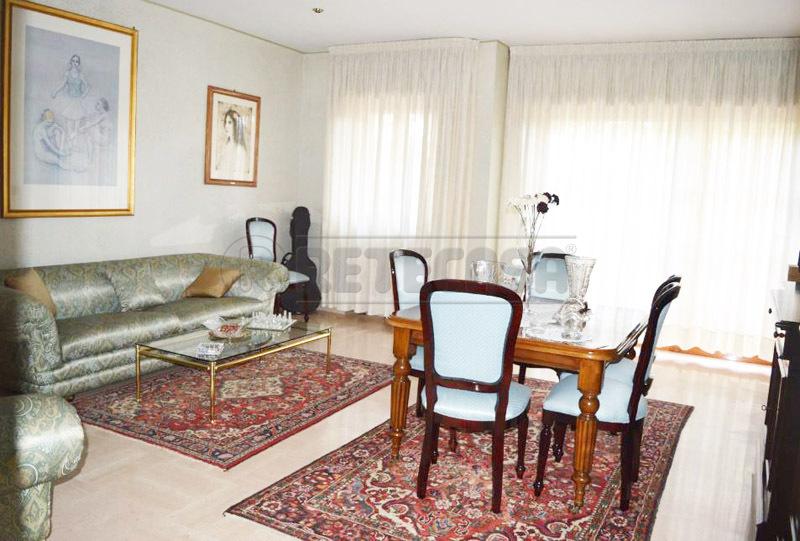 Appartamento in vendita a Bisceglie, 5 locali, prezzo € 200.000 | Cambio Casa.it