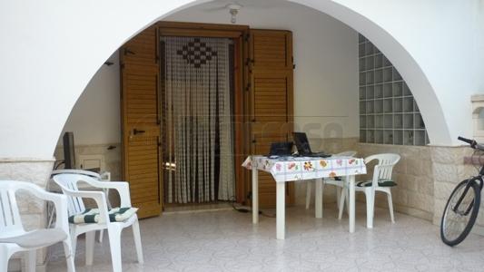 Soluzione Semindipendente in vendita a Taviano, 7 locali, prezzo € 126.000 | CambioCasa.it