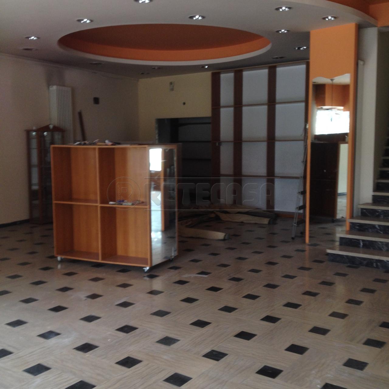 Negozio / Locale in affitto a Montecchio Maggiore, 4 locali, Trattative riservate | Cambio Casa.it
