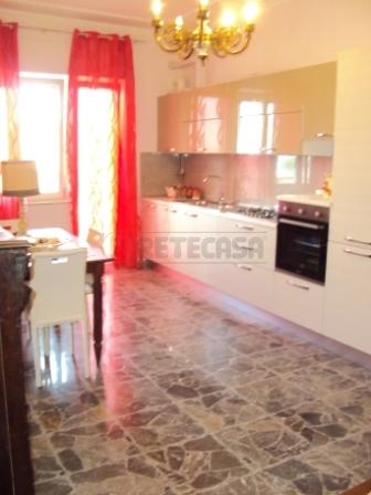 Appartamento in affitto a Pescara, 4 locali, prezzo € 700 | Cambio Casa.it