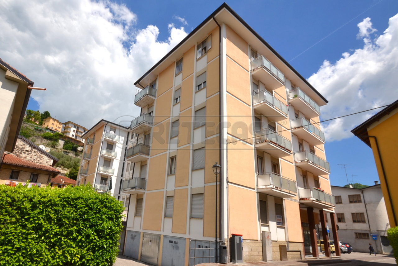 Appartamento in vendita a Valdagno, 6 locali, prezzo € 72.000   Cambio Casa.it
